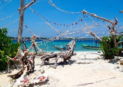 Острова Гили, Гили Мено, пляж кафе Диана